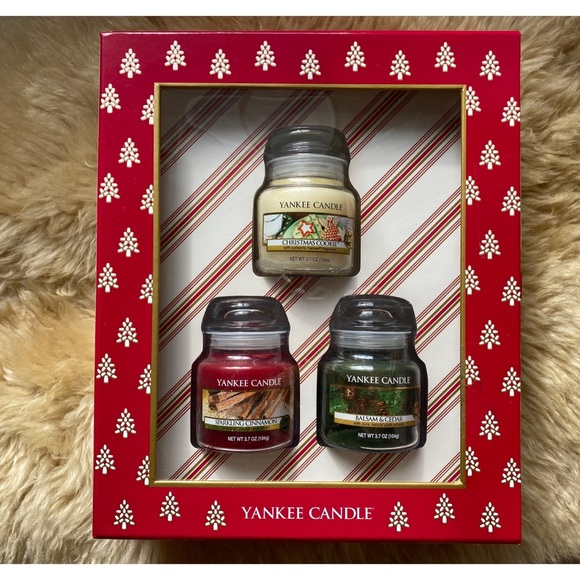 NWT Yankee Candle Holiday Scents Gift Box